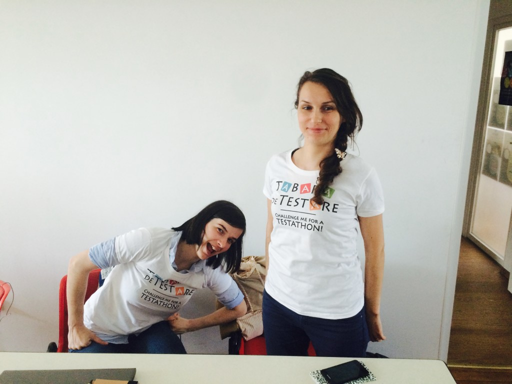 Andrea si Ionela la TdT cu tricourile de testathon