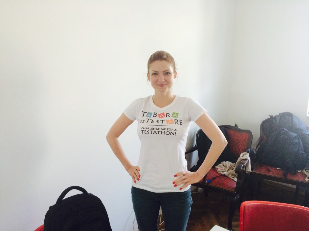 Ada cu tricou TdT la testathon-ul ChallengeMe
